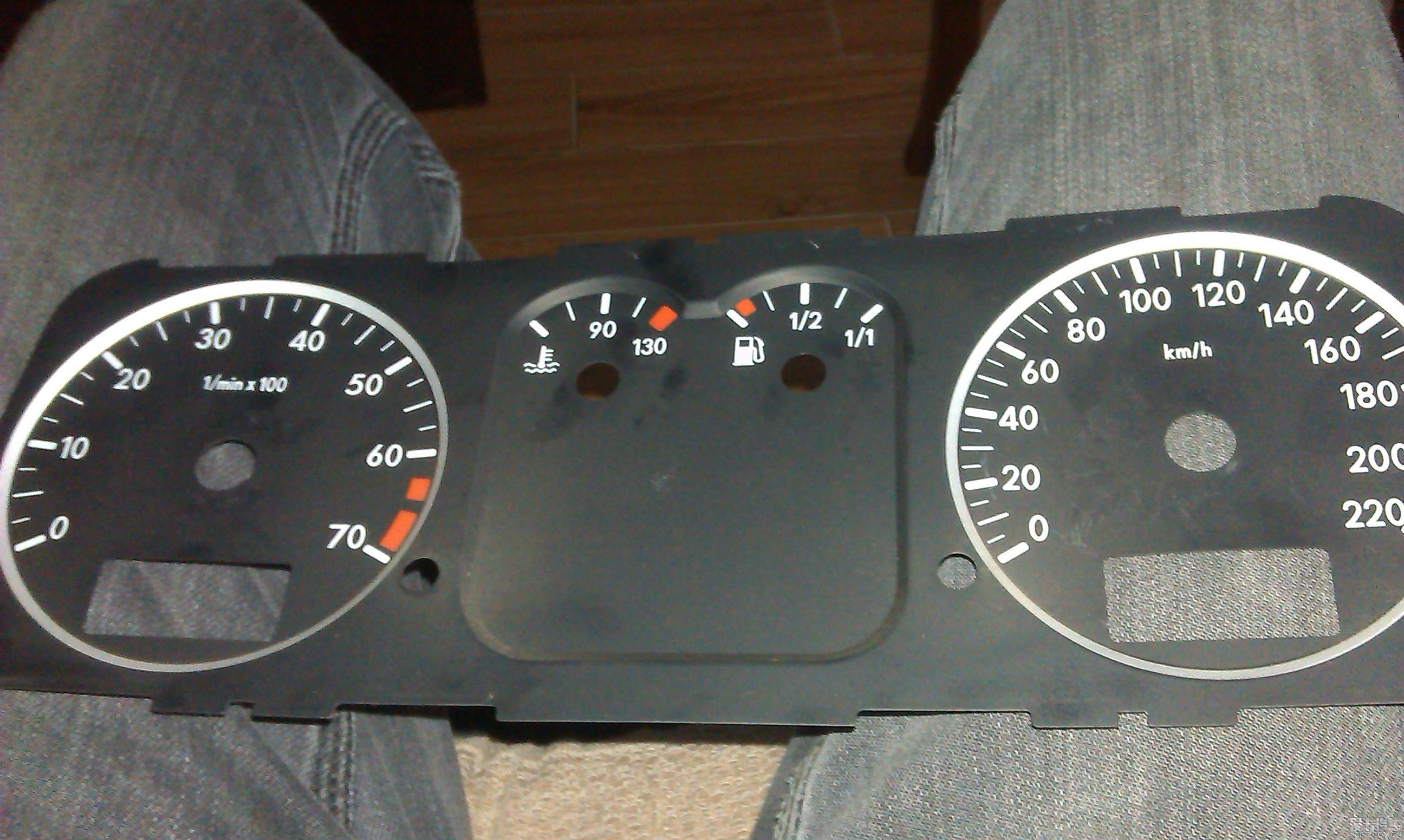 桑塔纳仪表盘这是什么意思   汽车仪表盘显示说明   汽车 高清图片