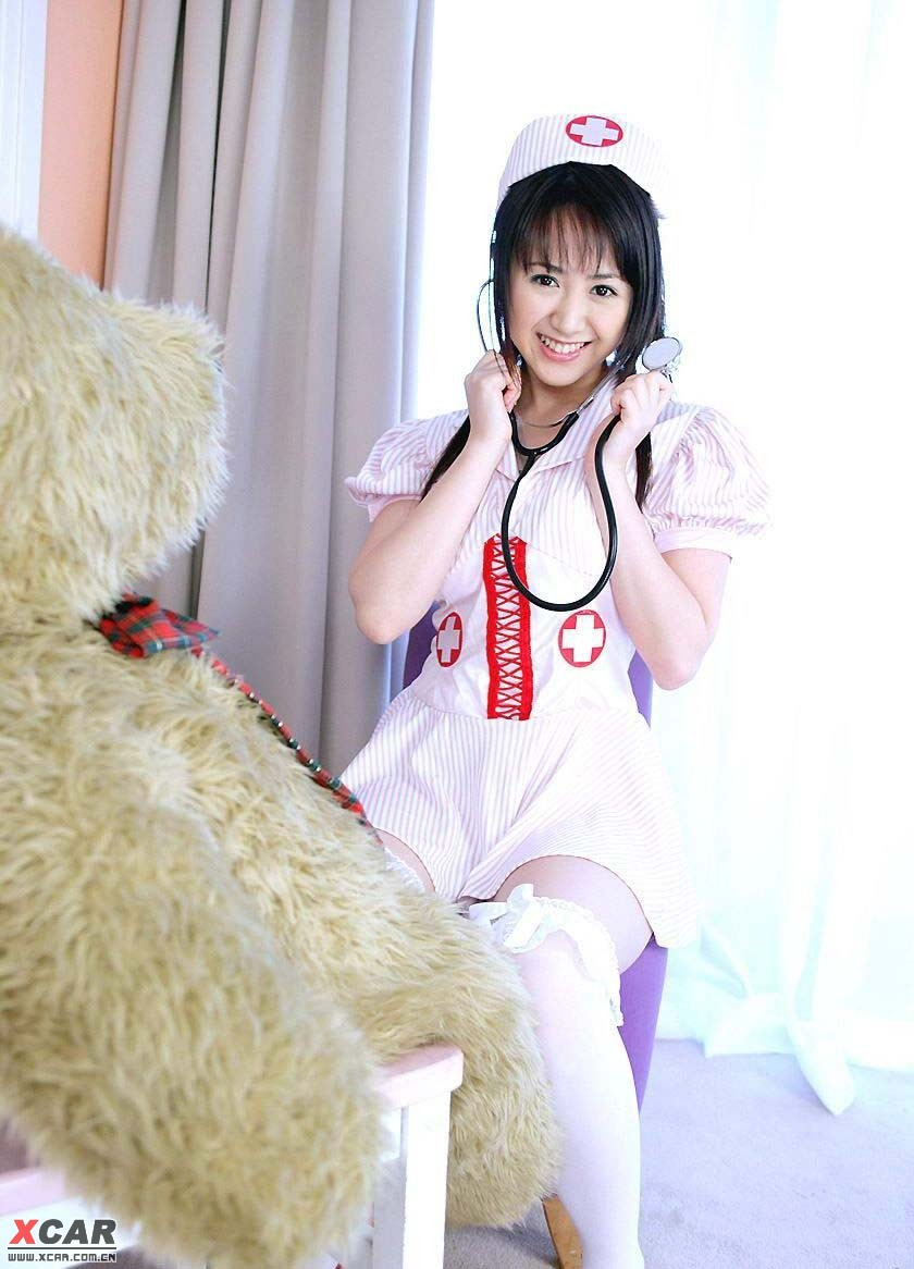 美女护士来给生病的tx打针了