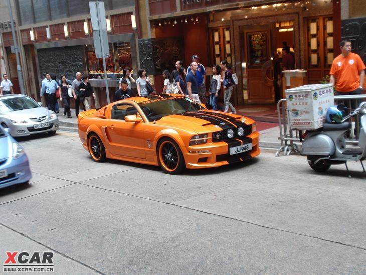 香港街头拍到的福特野马_mustang论坛_爱卡汽车移动版