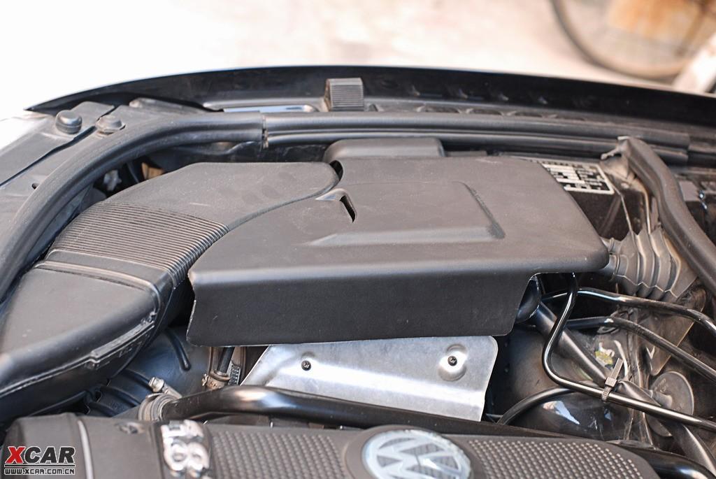 给复产老帕加上了空滤盖板和引擎盖锁盖板_帕萨特论坛