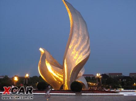 不锈钢雕塑 夜景