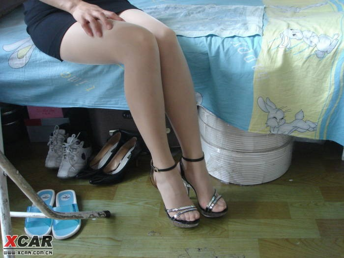 被发现 丝袜美女