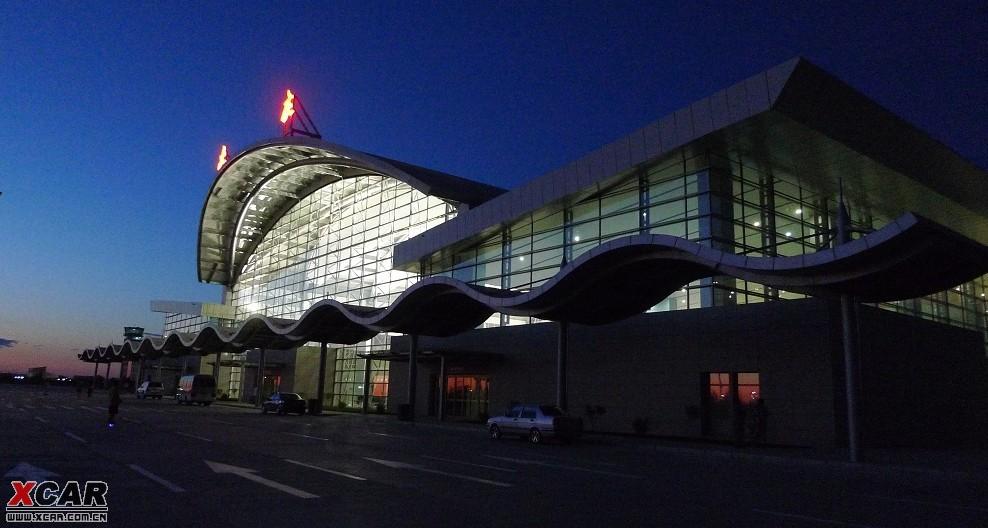 大庆飞机场的第一架客机zt