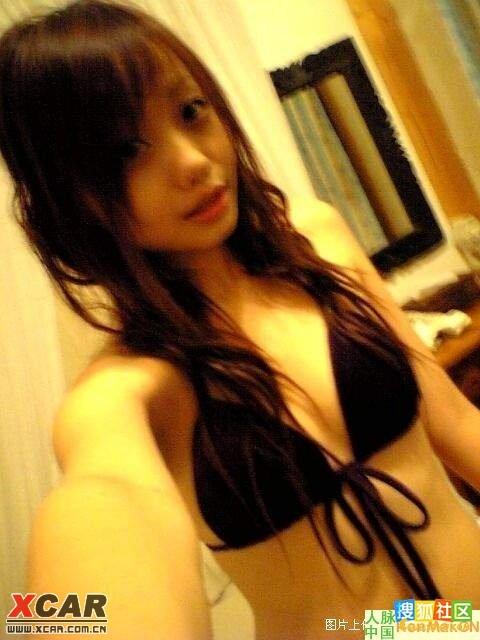 14岁小女孩爆闺房超成熟涉性照片