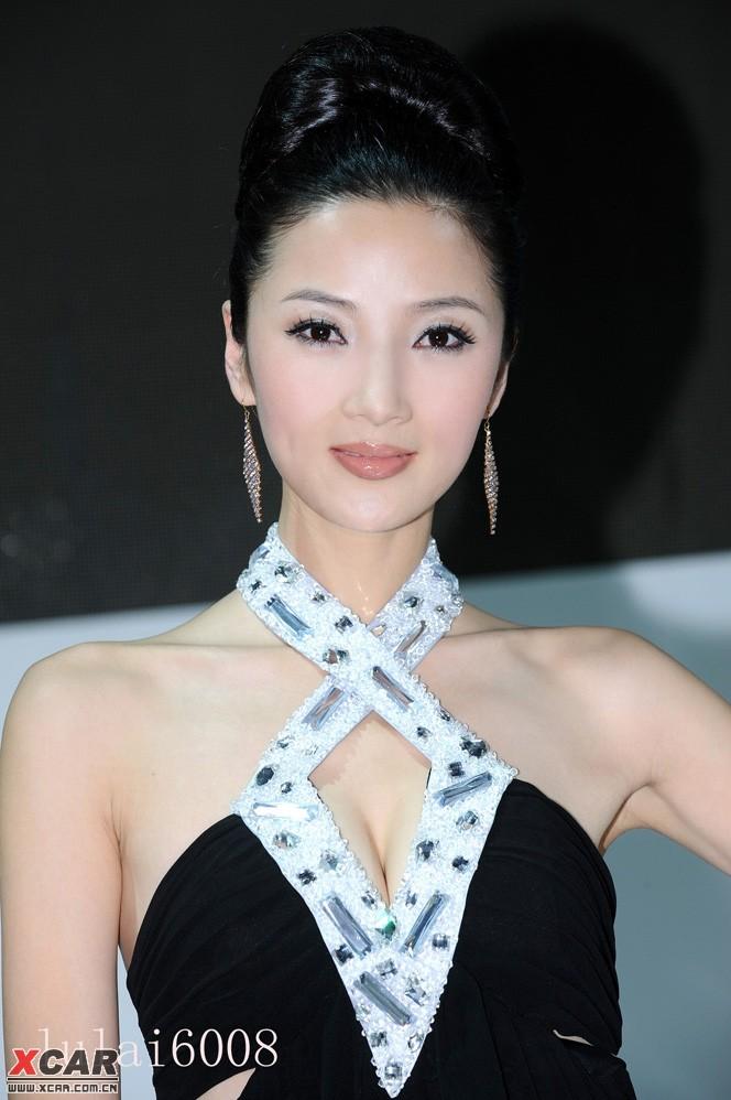 2010北京国际车展 起亚模特 章佳怡(33楼更新2010北京国际车展新图.