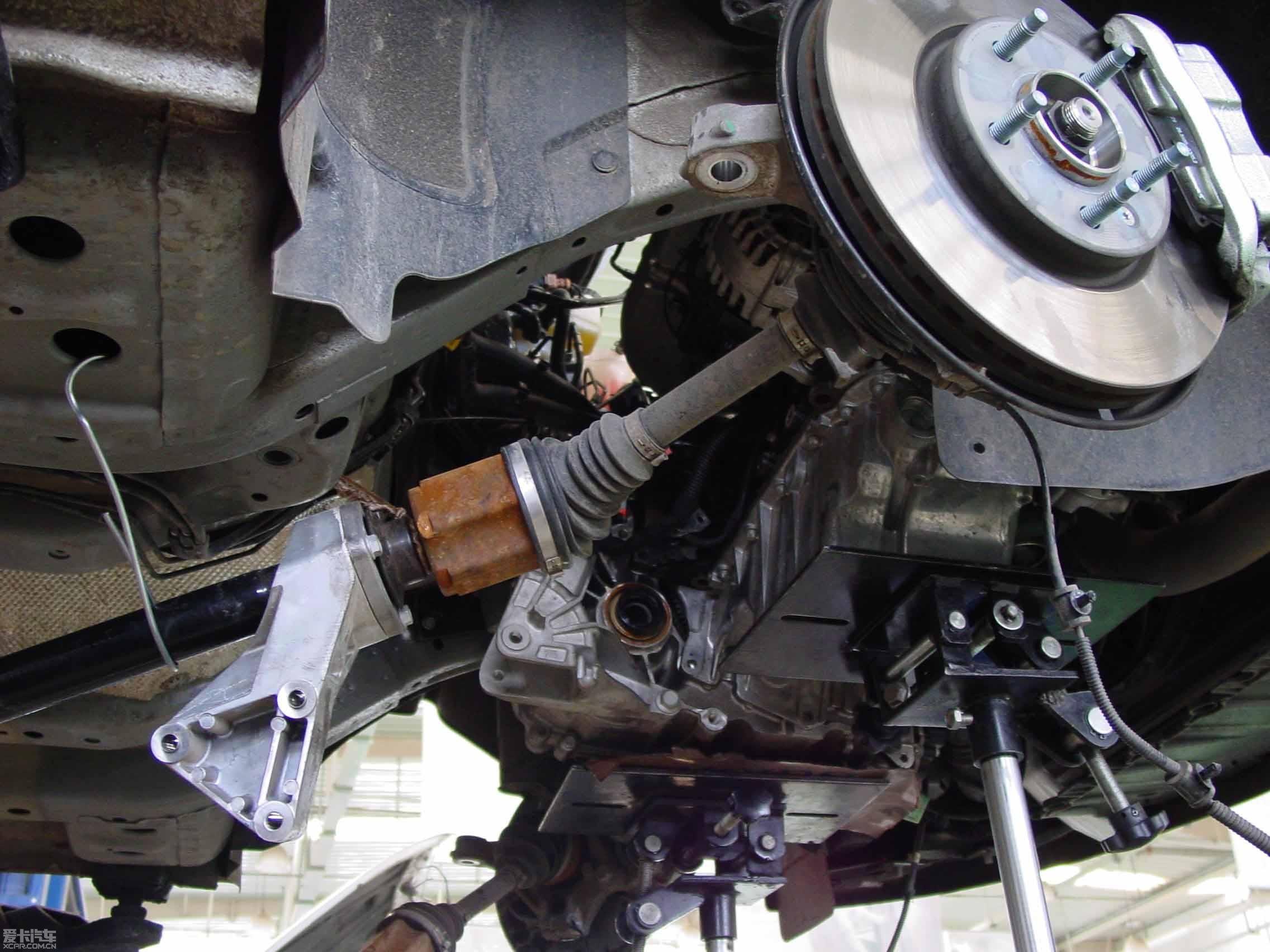 新英朗右半轴传动轴漏油怎么办高清图片