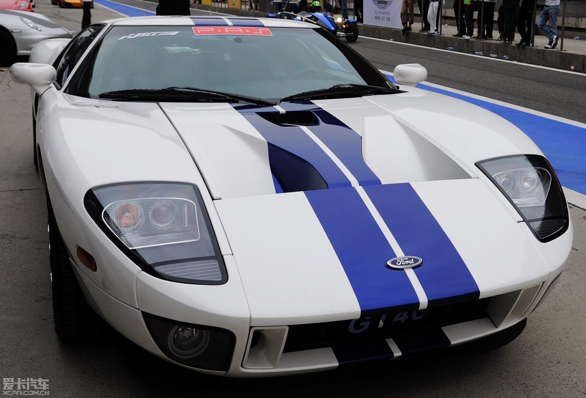 看到很多TX,特别是福特迷,传几张昨天拍的GT40的片片