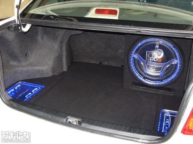 丰田威驰汽车音响改装高清图片