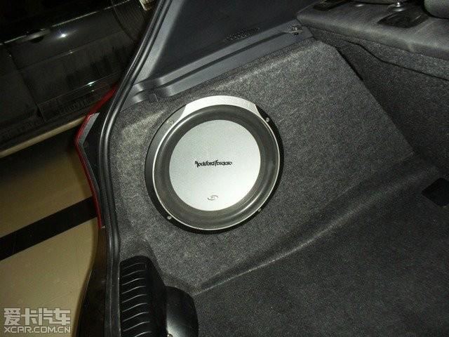 武汉汽车音响改装 我的宝马120I音响改装高清图片