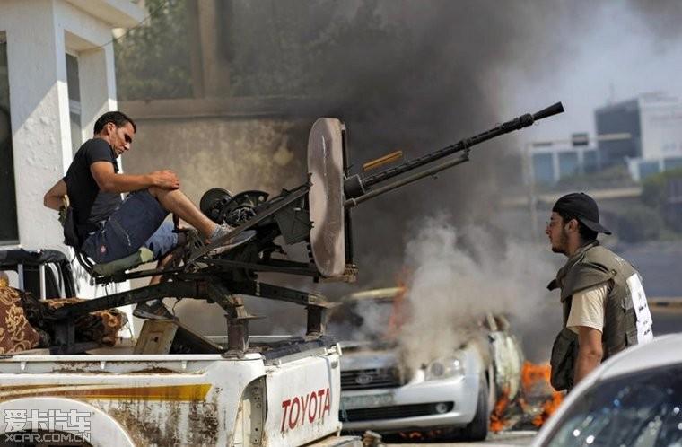 丰田也参加了利比亚战争,有图有真相_凯美瑞论
