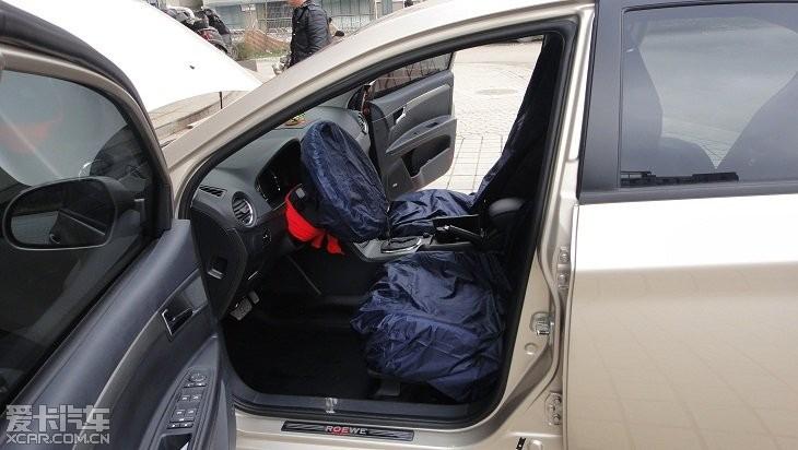 贵阳汽车隔音 350全车隔音改装作业高清图片