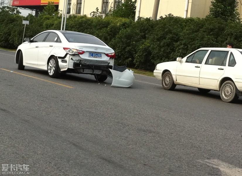 索纳塔八论坛 帖子详情             事故时间:2011年7月26日16:00