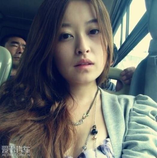 上海90后MM,自称抚摸被乘坐,喜欢公交车爱穿古风红色女生图片图片
