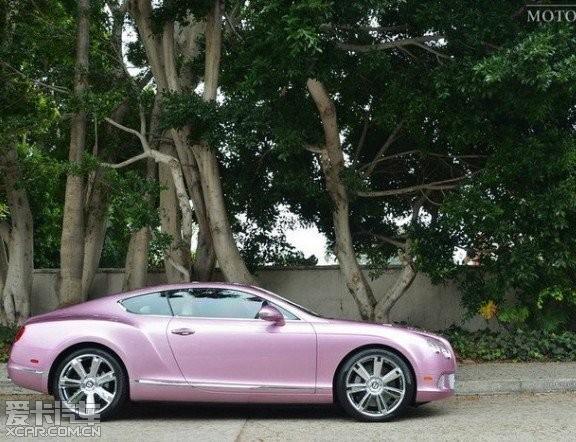 驾讯通 宾利欧陆gt粉色版亮相