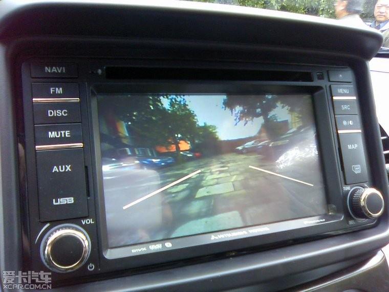低配加装倒车雷达影像作业 顺带换喇叭 高清图片
