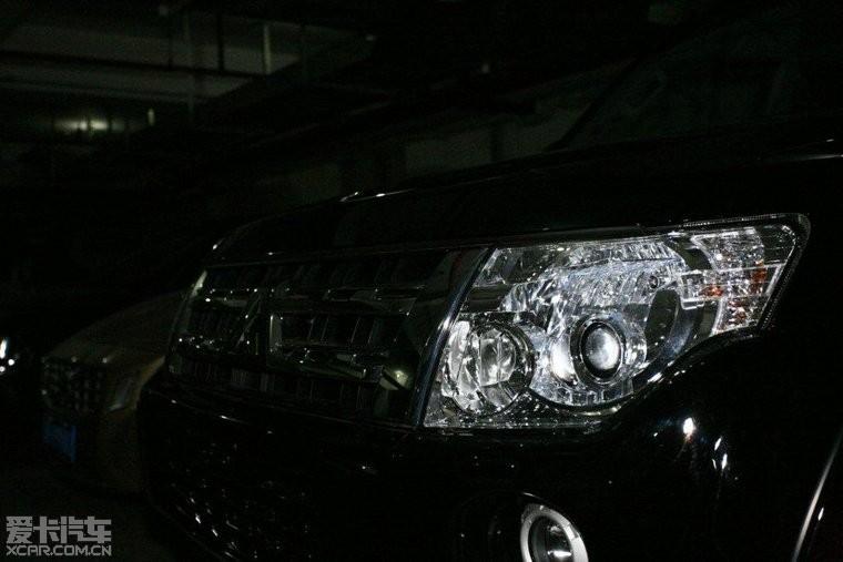 2011年11月23日12款黑色帕杰罗v93提车高清图片
