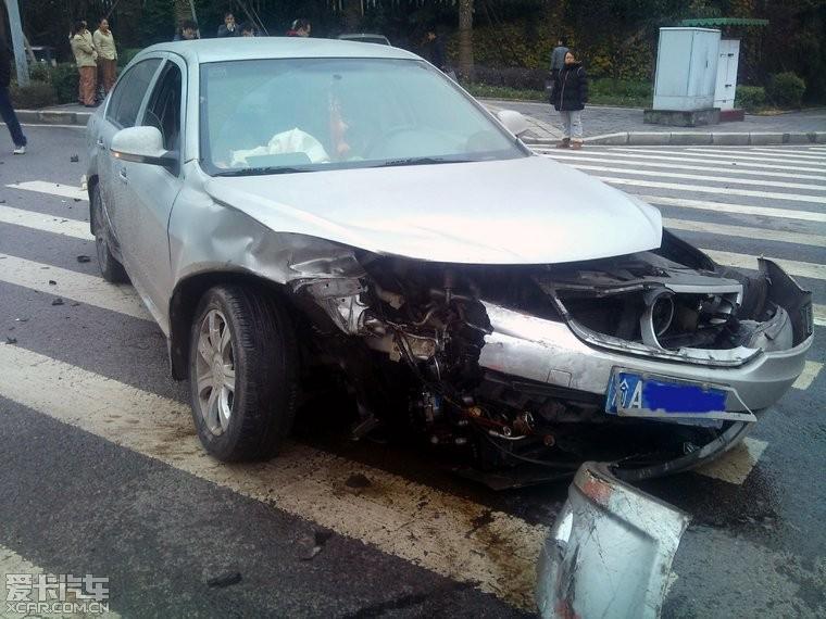 沃尔沃s80l车祸图图片 买沃尔沃s80l后悔,沃尔沃s80l车祸照片高清图片
