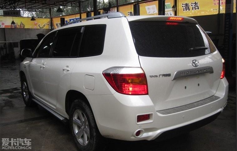 广州白色汉兰达改装 作业 雨天作业改装行李架银色 踏板高清图片