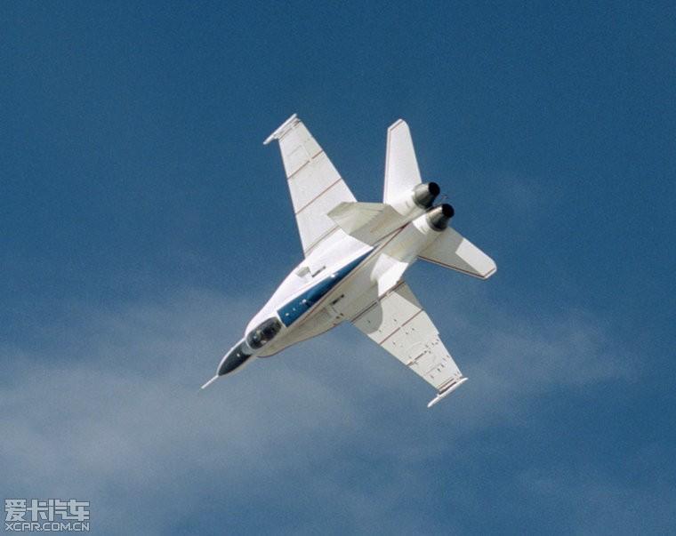 比如,二战期间美国第一架喷气式飞机在那里起飞,1947年查克-雅格在