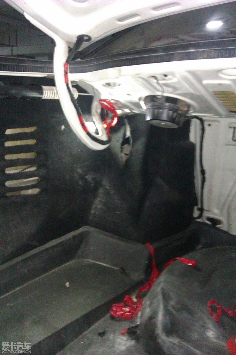 加装后备箱灯开关和车底倒车灯_捷达改装与技术解答区