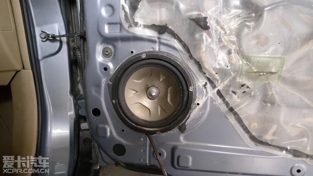 长沙汽车音响 骐达改装雷贝琴音响 门板倒模 灯光