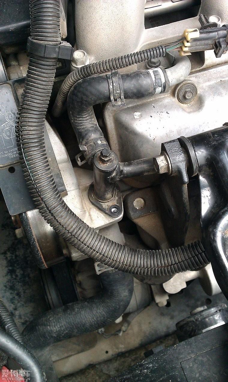 老君威sgm7252gl更换节温器,清洗气门,怠速马达,egr阀图片