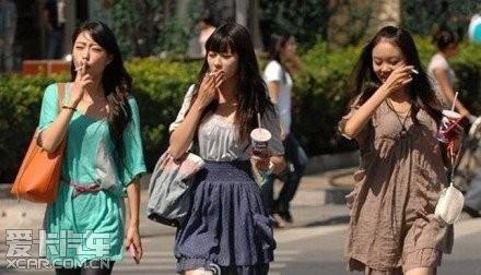此三美女比那三美女。看图不说话!_上海汽车论王艳勤美女图片