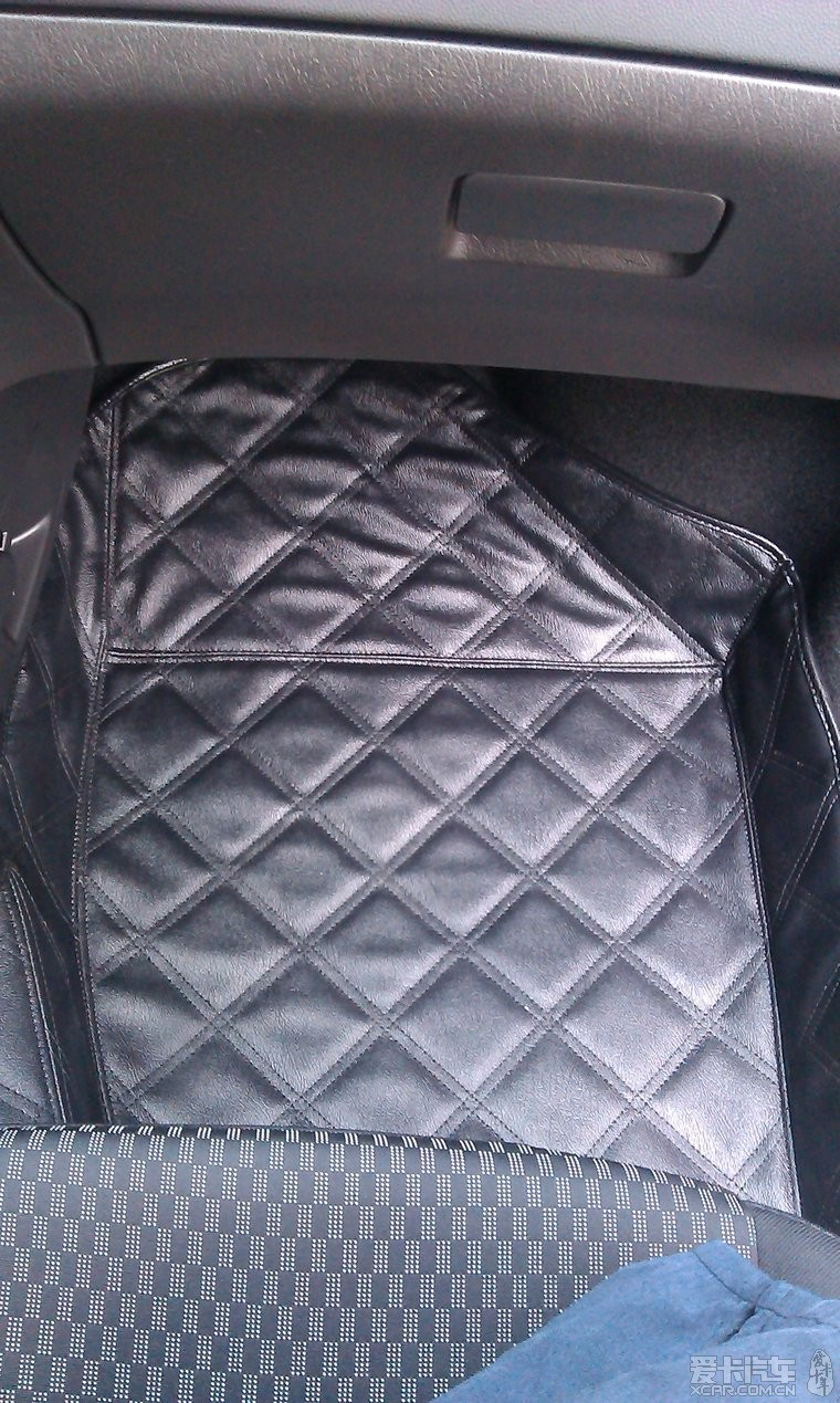 垫和牌照架牌照框是4s赠品.后备箱垫是我淘宝买的   证明我高清图片