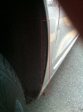 右后轮内衬缝隙过大,前来求助!