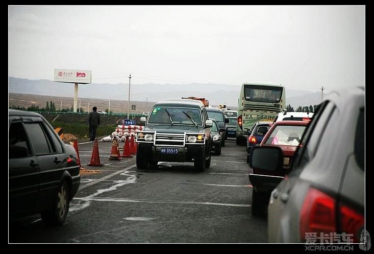 汽车论坛大全 新疆论坛 03 正文    乌奎高速上 从乌鲁木齐出来的车