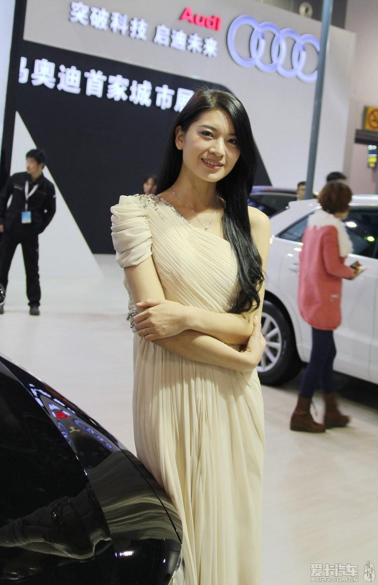 义乌论坛美女少啊。_浙江车展图片_XCAR爱红色汽车美女的图片