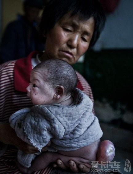 图片故事:命若垃圾,弃婴王国.看着心里真难过!