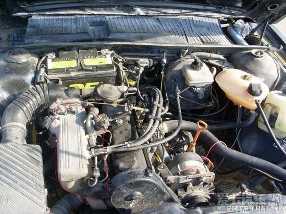 普桑的发动机进气歧管是那根