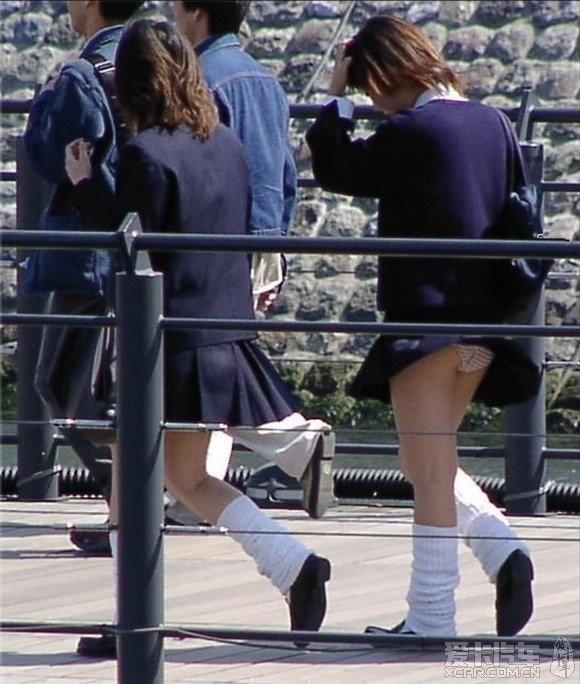 小风带走白色裙下短裤大自然是最a白色的?_热韩国春光穿舞美女美女图片
