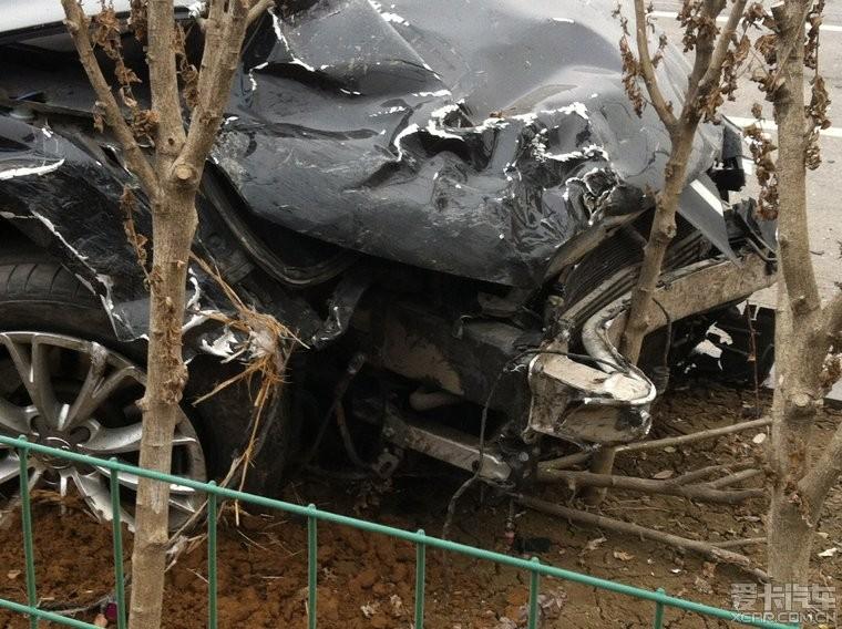 普桑被人欺负了,山东滕州体育现场,让我们为死幼儿园车祸:小兔反思课后运货图片