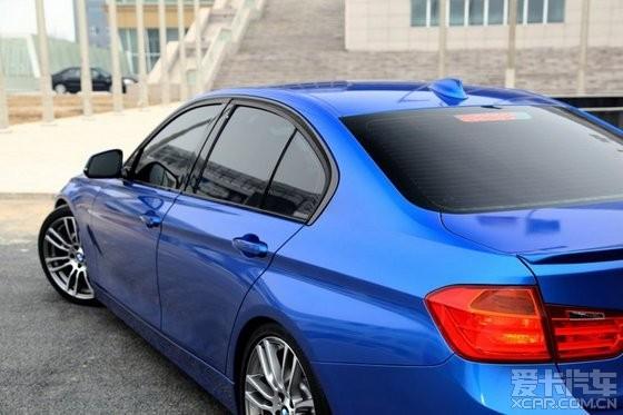 (车身改色美容)宝马f30328i改极光蓝车身贴膜
