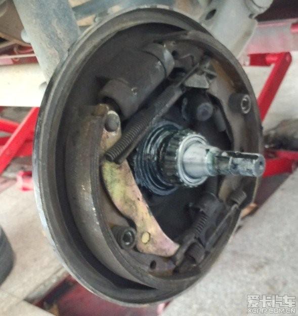 人,送上今日换后轮轴承 空滤 离合线加油 调整手刹等等作业 赛欧论高清图片