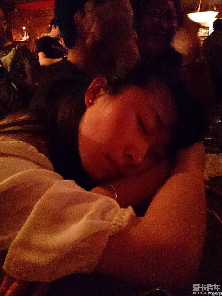 我要揭发:某版主偷拍美女tx睡觉有图