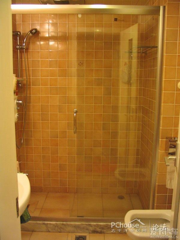 卫生间淋浴房高清图片