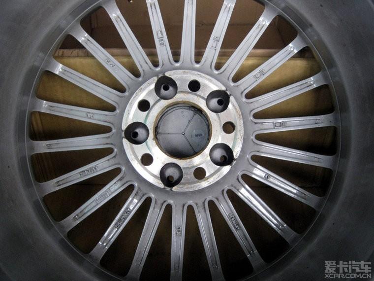 出套 18寸 德国正厂奔驰amg 轮毂 18x 8.5j et3高清图片