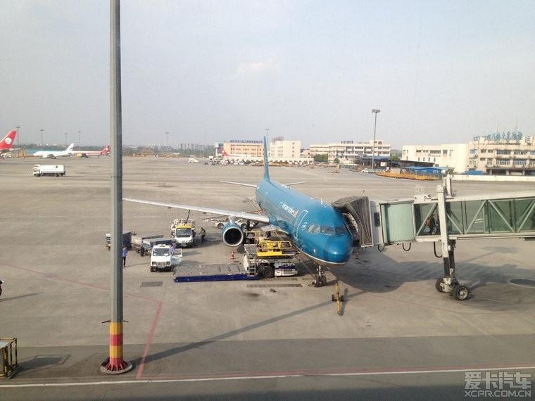 双流机场越航的飞机