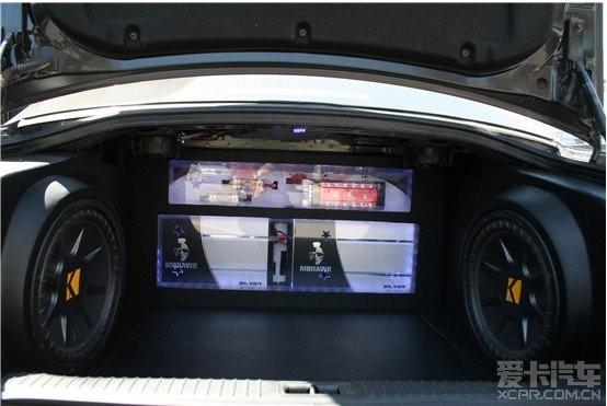 现代索纳塔 后备箱倒模低音喇叭功放图片