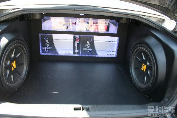 索纳塔音响升级 后备箱造型图片