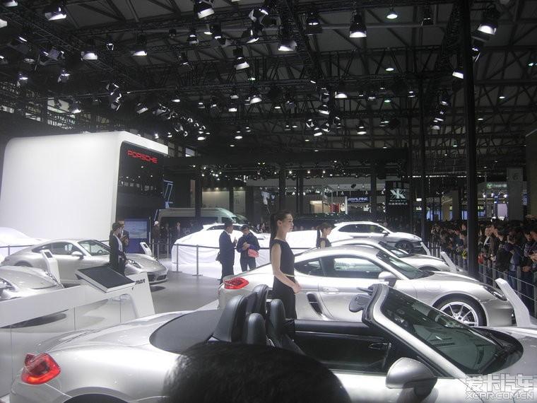 保时捷几款车还用布蒙着没亮相呢.高清图片