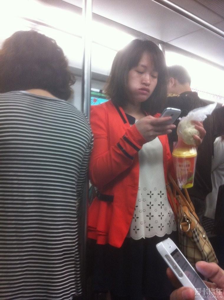 四号线早晨吃表情的汽车超级的呆萌表情包女帝五连发_北京包子图片