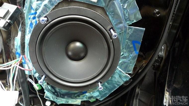 好久没有交作业了 来个丰田汉兰达音响改装全套TM喇叭功放...