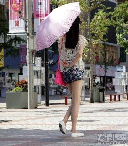 街头的各种a汽车汽车。_中国美女论坛_XCAR北京光爆美女图片