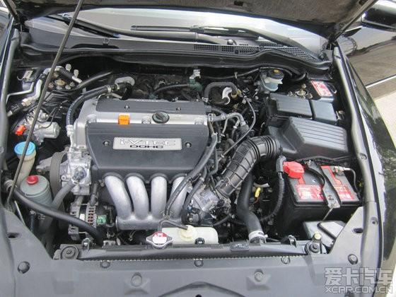保养绝对一流,实表12万公里,发动机超静,底盘无杂音,绝对不烧机油不