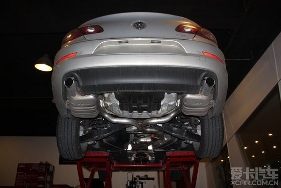 6 原车排气管 双边单出 新车拆下来没跑多久 就改了改装的排气&