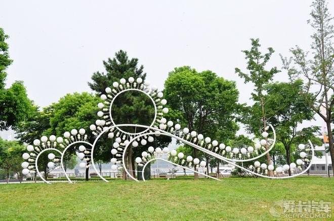 圆融雕塑是工业园区的标志